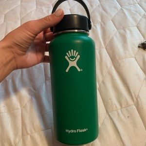 Forest green hydro flask